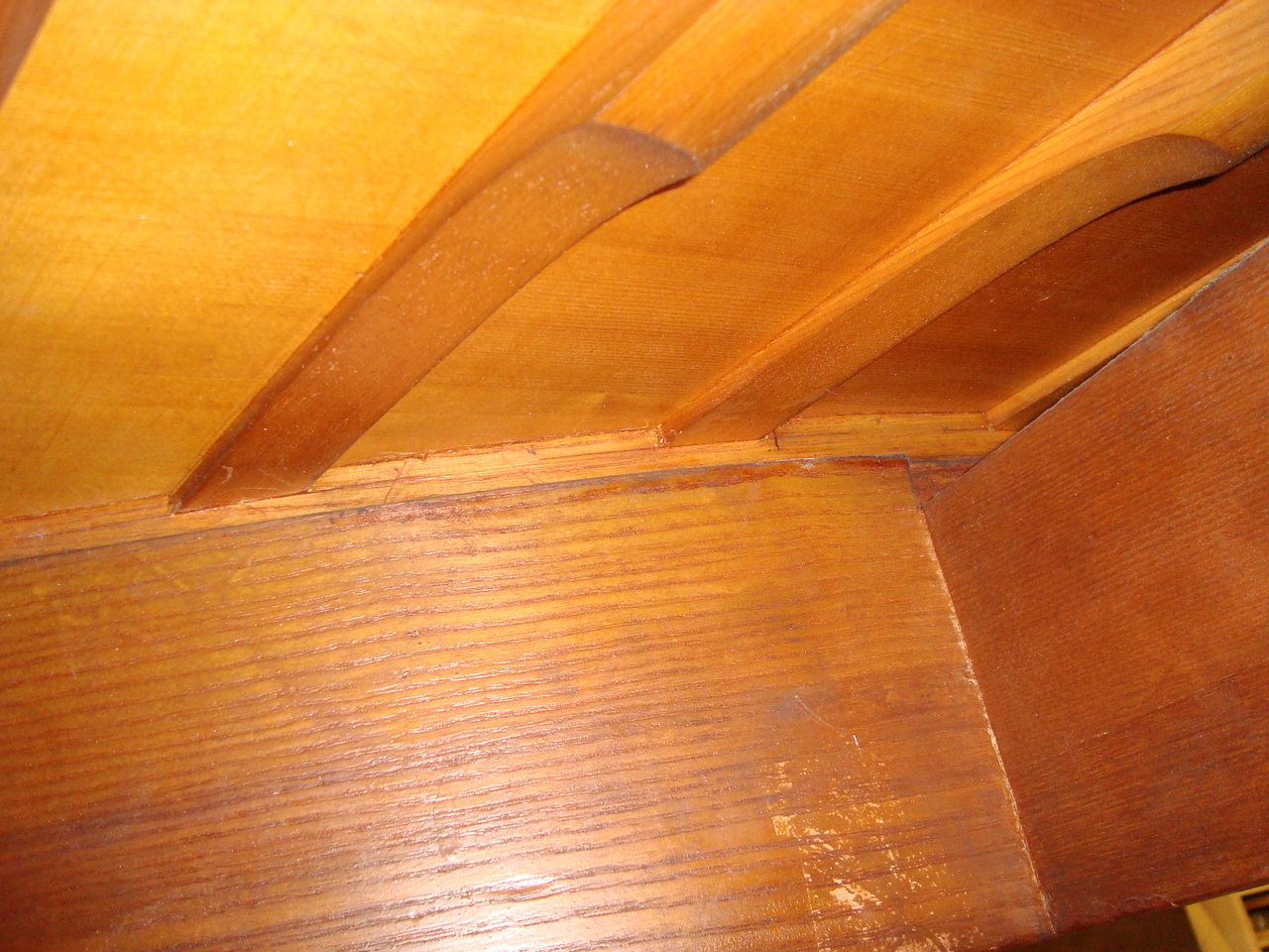 The massive rim of the Stieff piano